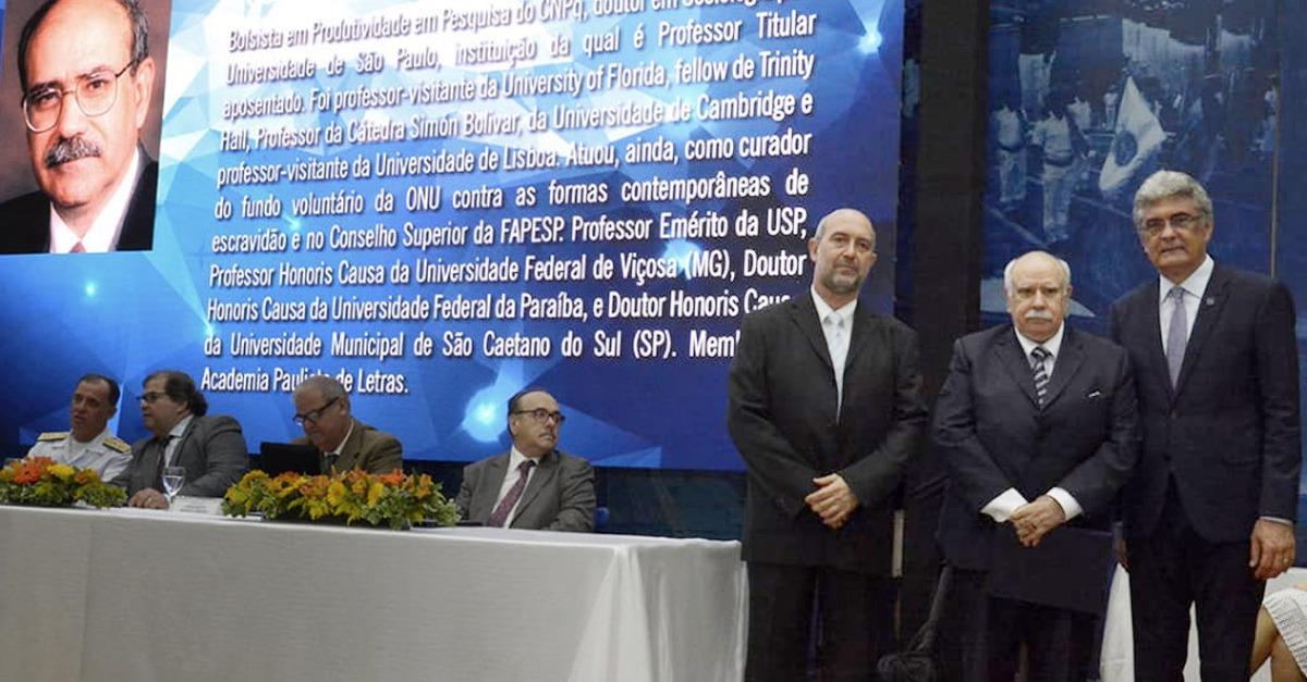 José de Souza Martins é contemplado com título de